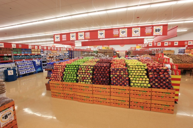 Giant Eagle Inc. Good Cents apples and produce