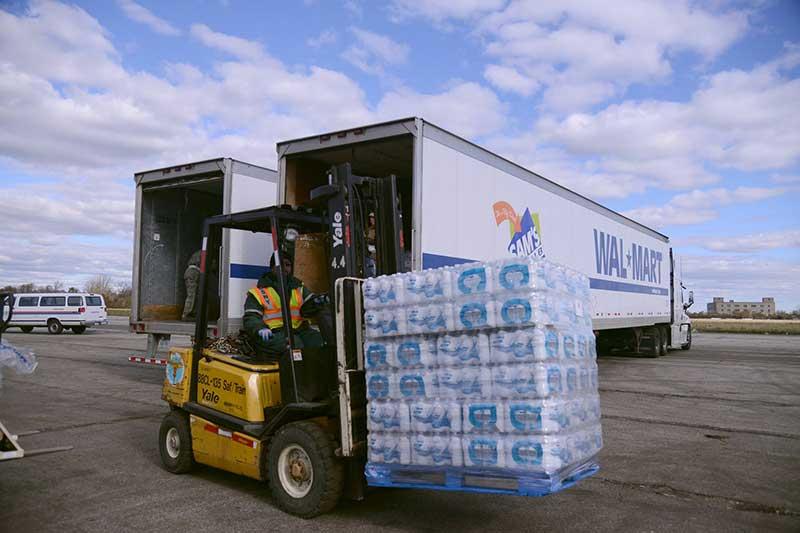 truck-disaster-relief-hurricane-sandy_129964468176936271