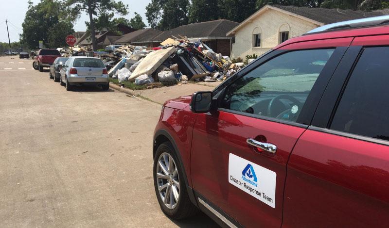 Albertsons Disaster Response Team car