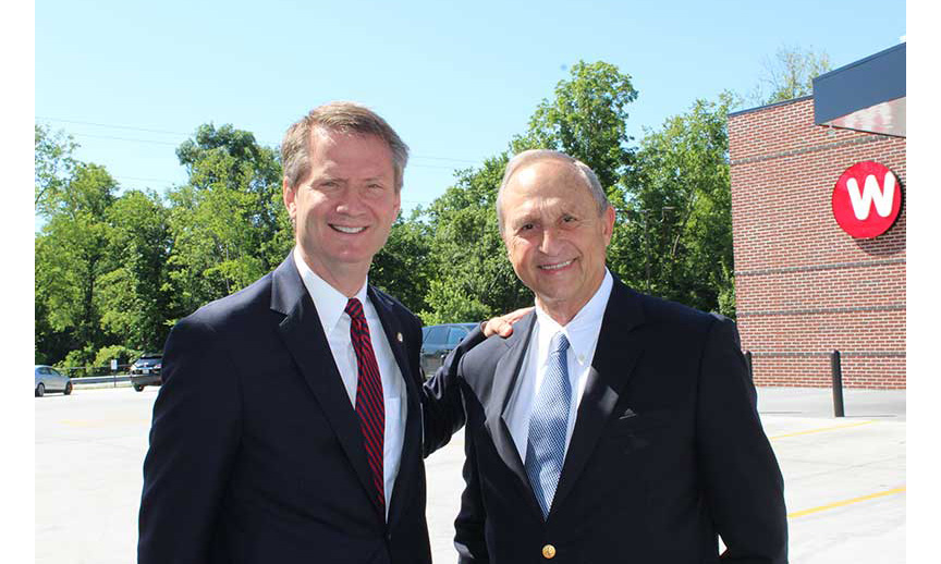 Knoxville's mayor Tim Burchett and Weigel's Chairman Bill Weigel.