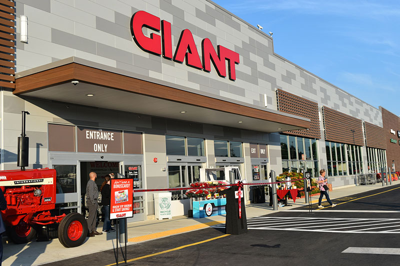 Feasterville PA Giant, Giving Tuesday