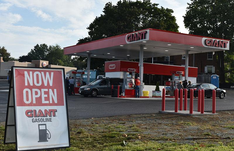Lititz, Pa. Giant fuel station