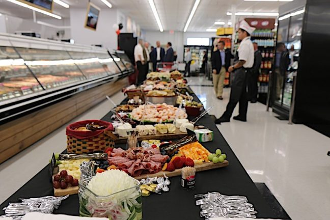 Fareway Cuts The Ribbon In Monmouth, Illinois
