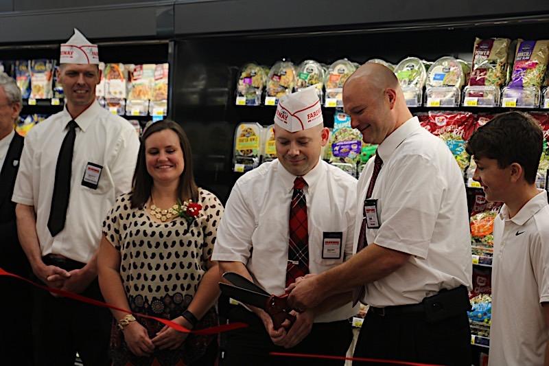 Fareway opening, Monmouth, Illinois