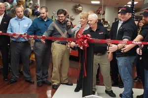 Giant Food Stores Lebanon ribbon cutting